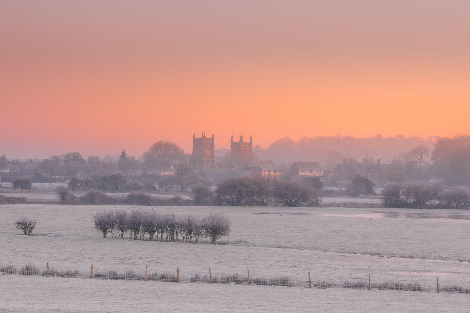 Wimborne cold morning glow